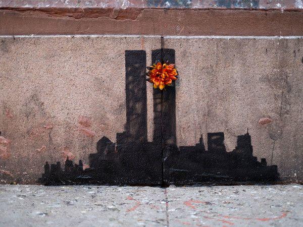 """E'+apparso+a+Bristol+il+nuovo+capolavoro+del+famoso+street-artist+inglese:+omaggio+all'artista+olandese+Vermeer,+""""The+Girl+with+the+Pierced+Eardrum""""+(letteralmente,+""""La+ragazza+con+il+timpano+trafitto""""),+cosi+si+chiama+il+nuovo+graffito+di+Banksy,+realizzato+ieri+notte+su+un+muro+di+Bristol+e+ispirato+sia+nel+titolo+che+nell'immagine+al+capolavoro+del+pittore+olandese+Jan+Vermeer.+Nell'opera+di+Banksy+tutto+rimanda+alla+meravigliosa+figura+eterea+e+leggera+della+""""raga..."""