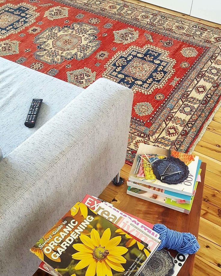 We ❤ Rugs! Australia's largest collection of hand knotted rugs and kilims. Visit us at our Sydney warehouse outlet or shop online.