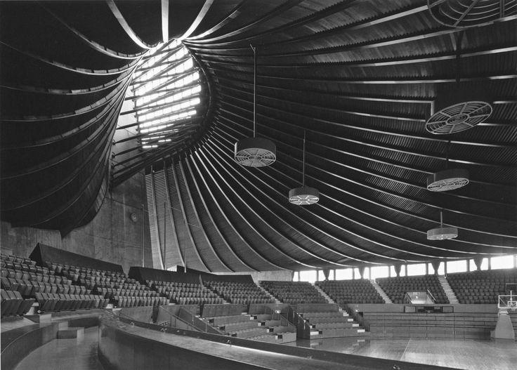 Les 160 meilleures images du tableau kenzo tange sur for Architecture japonaise moderne