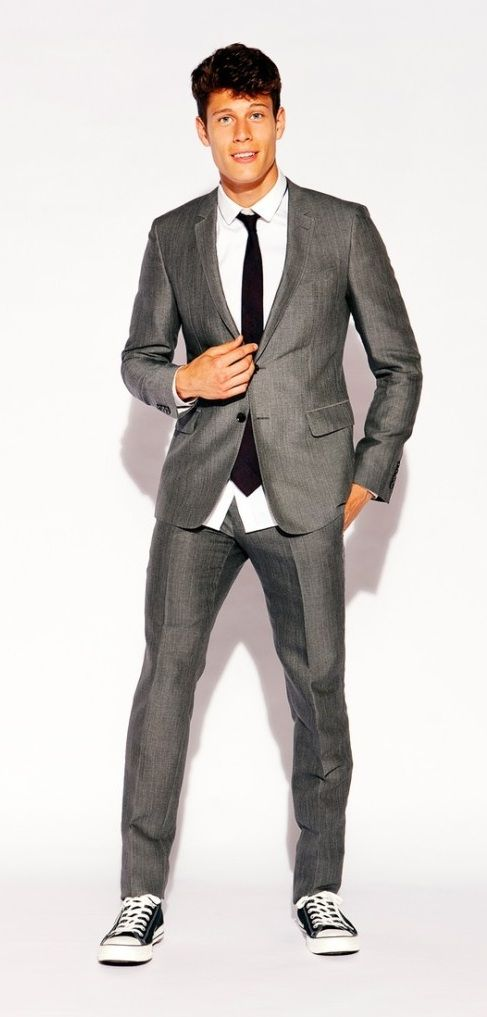 How to look like Justin Timberlake with Suit and Sneakers
