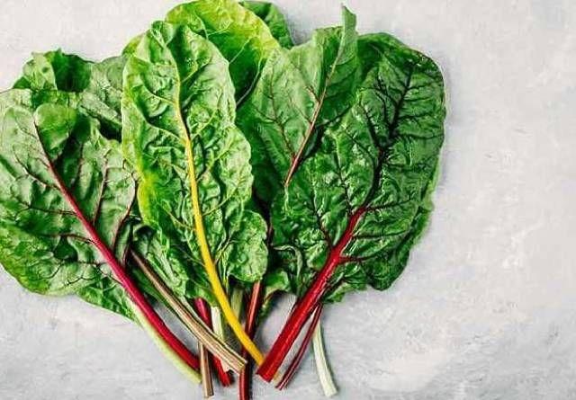 أفضل 5 خضروات ورقية خضراء اللون مفيدة للجسم الخضراوات بصفة عامة لا غنى عنها لصحة الجسم ولحمايته من الأمراض ولكن الخضار الورقية ذات اللون الأ Vegetables Spinach
