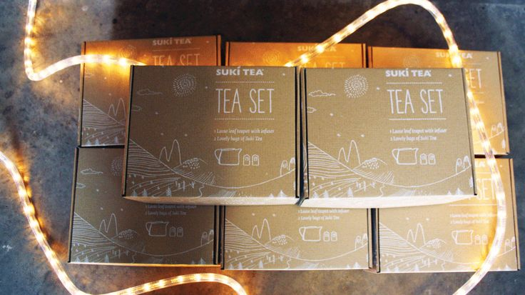 Suki Tea Classic Gift Set, Perfect for Any Tea Lover!! One Loose Leaf Teapot with infuser plus two lovely bags of Suki Tea! Buy Tea Online | Black, Green & Fruit Teas | Loose Leaf Tea | Online Tea Shop | Suki Tea