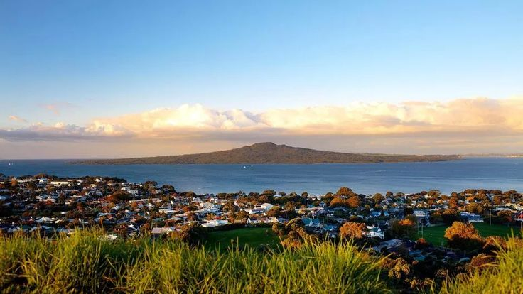 Your guide to climbing Auckland's volcanoes - of which there are a whopping 48!