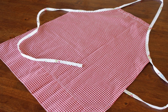 make aprons for a cooking party