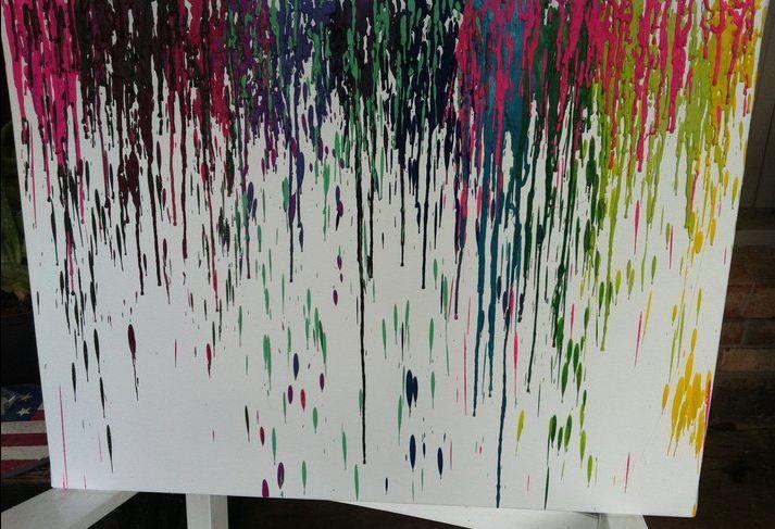 Ingredients: broken old crayons, hot glue gun, canvas. Result: Fabulous! #recycledart