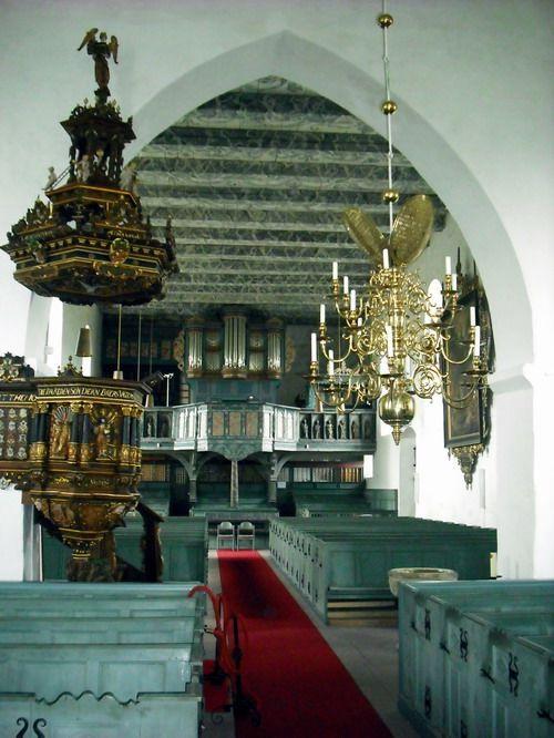 Kirchenraum der Matthäus Kirche in Rodenkirchen