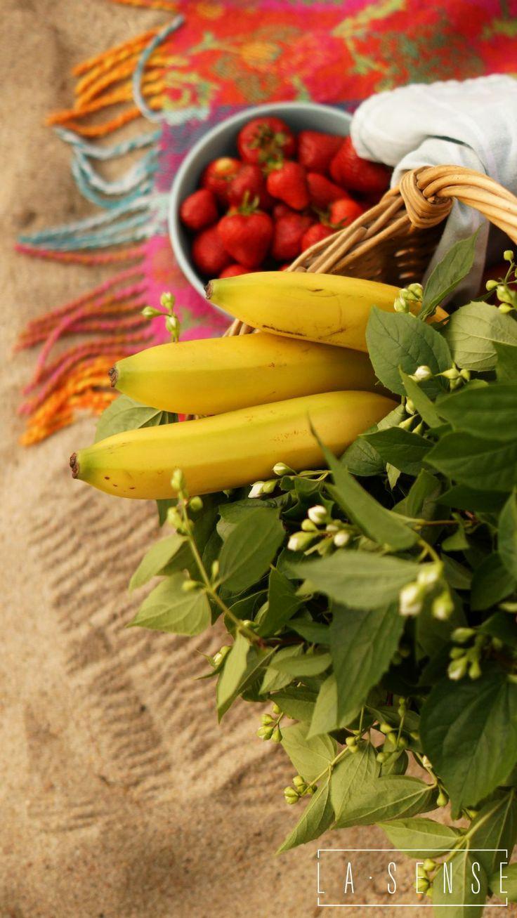 Picnic#strawberries#bananas#