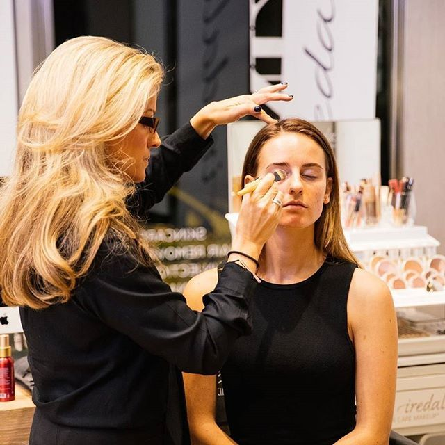 Here's our gorgeous makeup artist Martina sharing #janeiredale tricks and techniques at our recent #RevealRadiance event. Comment below with your secret beauty tip, we may throw in a special treat for the best one! #janeiredale #mineralmakeup #crueltyfree #instabeautyau #veganbeauty