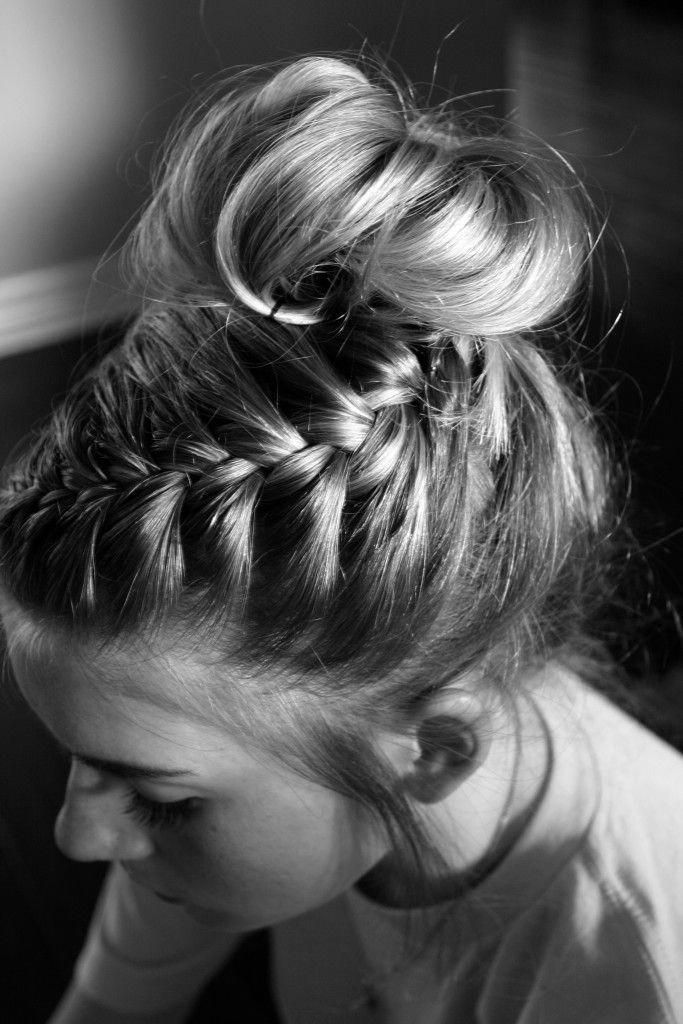 Messy bun with braid hair tutorial. Great hairstyle for cheer or dance competitions! #Braidedhairstyles