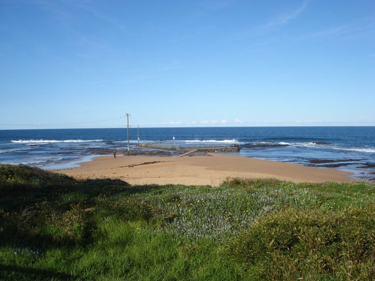 Mona Vale Beach & Apex Park - great family friendly park with a playground, beach nearby and several cafes. More info and pictures at: http://www.weekendnotes.com.au/apex-park-mona-vale/