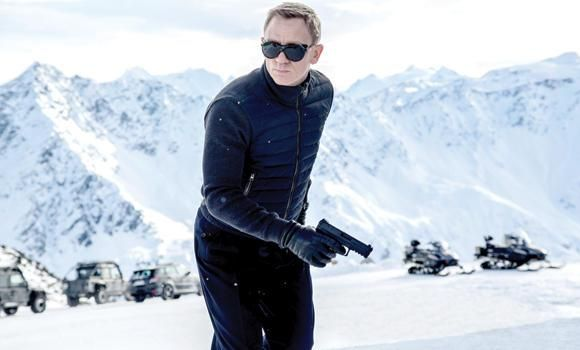 4 destinaţii unde puteţi să-i călcaţi pe urme lui Bond, James Bond!