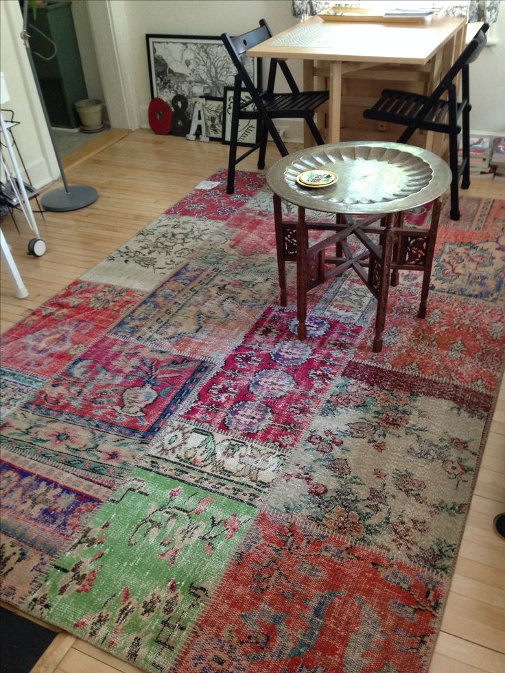 After a lot of hunting I found and now own the Silkeborg patchwork vintage Turkish rug from IKEA.