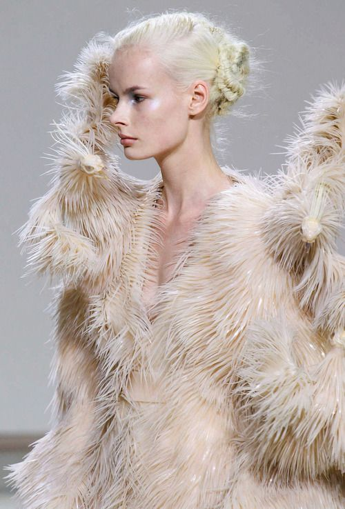 695 best Iris Van Herpen images on Pinterest Artworks, Clothes - fashion editor job description