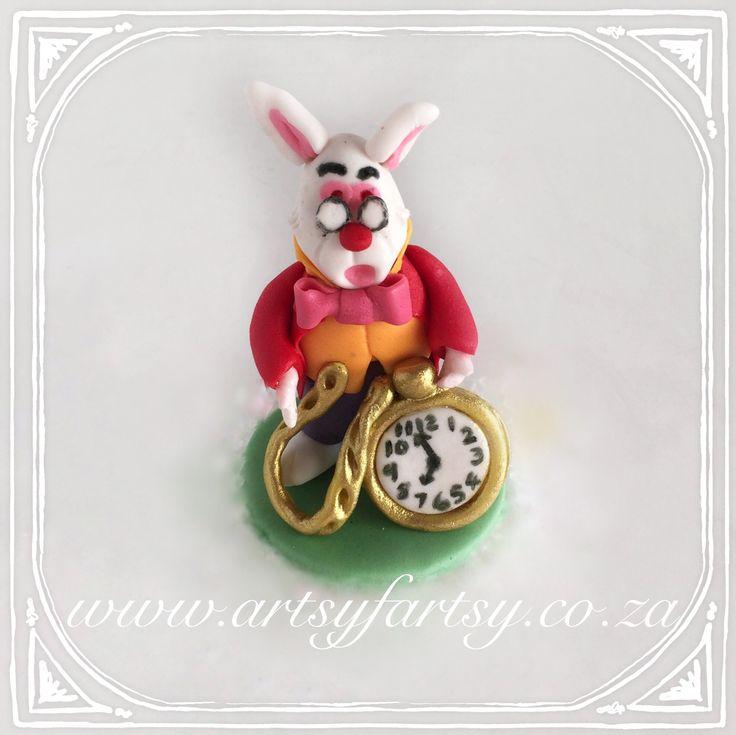 Alice in Wonderland Sugar Figurines #aliceinwonderlandsugarfigurines #whiterabbit