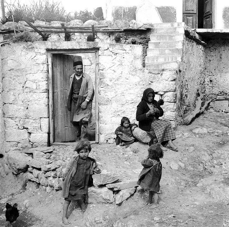 Evans, 1947, αγροτική οικογένεια στην Κρήτη.