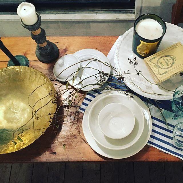 Latelier A table今日は中目黒のお手伝いってことで、自由が丘店ではありませんが^ ^ 明日から3日間ラヴィアラカンパーニュで展示会です。 #latelierdemaisondecampagne #decoration #自由が丘 #中目黒 #明日は展示会