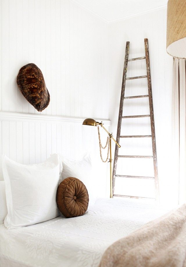 18 Absolutely Beautiful Tiny Bedrooms | MyDomaine.com