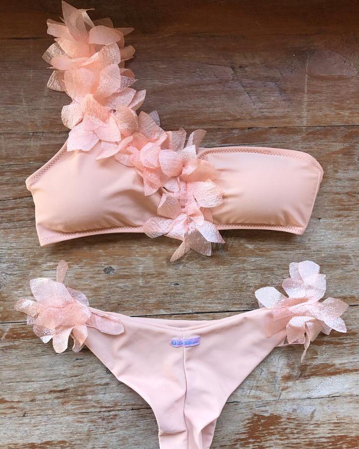 """""""Mi piace"""": 958, commenti: 12 - 🌵Bikini Made in Porto Cervo🌵 (@labikineria) su Instagram: """"Maleficent Pesca Nude 👩🎨 is the New Best seller 🌸🔨💡 Design your own on labikineria.shop"""""""