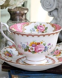 Vintage 1944 Royal Albert Pink Lady Carlyle Avon Tea Cup
