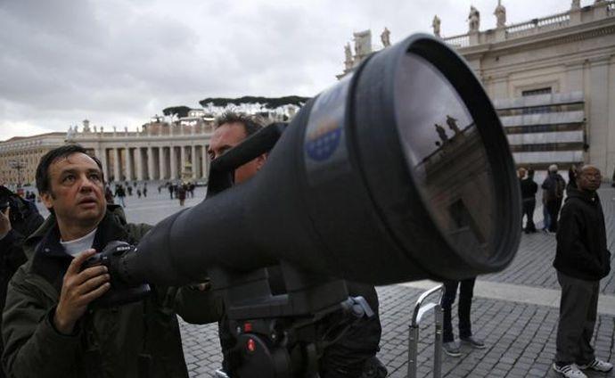 Las fotos del Papa Francisco con el Nikkor 1200-1700mm F5.6-8.0