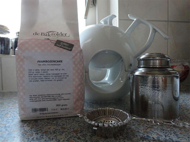Frambozencake-de-Bakzolder Overheerlijke cake maken met de producten van http://bypimpe.nl/  www.loveallcrafts.nl