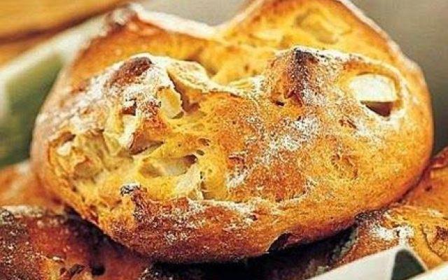 Panini alle due farine con yogurt e mele verdi ecco la ricetta #panini #alle #due #farine #con #yogurt