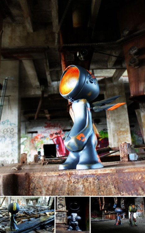 Vinyl Toys, Art, Culture,  Everything Inbetween: Nanan1's resin recycled robotic lamps