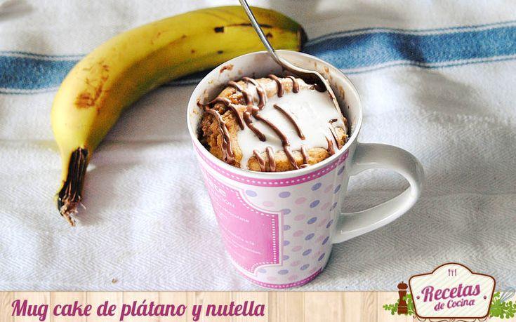 Mug cake de plátano y nutella - Como me gusta la combinación de nutella y plátano. No me puedo resistir a probar ningún postre que entre sus ingredientes incluya esta combinación. De ahí que no tardase mas de dos días desde que la viera impresa en elaborar la receta que hoy os presento: mug cake de plátano y nutella. Los mug c... - http://www.lasrecetascocina.com/mug-cake-de-platano-y-nutella/