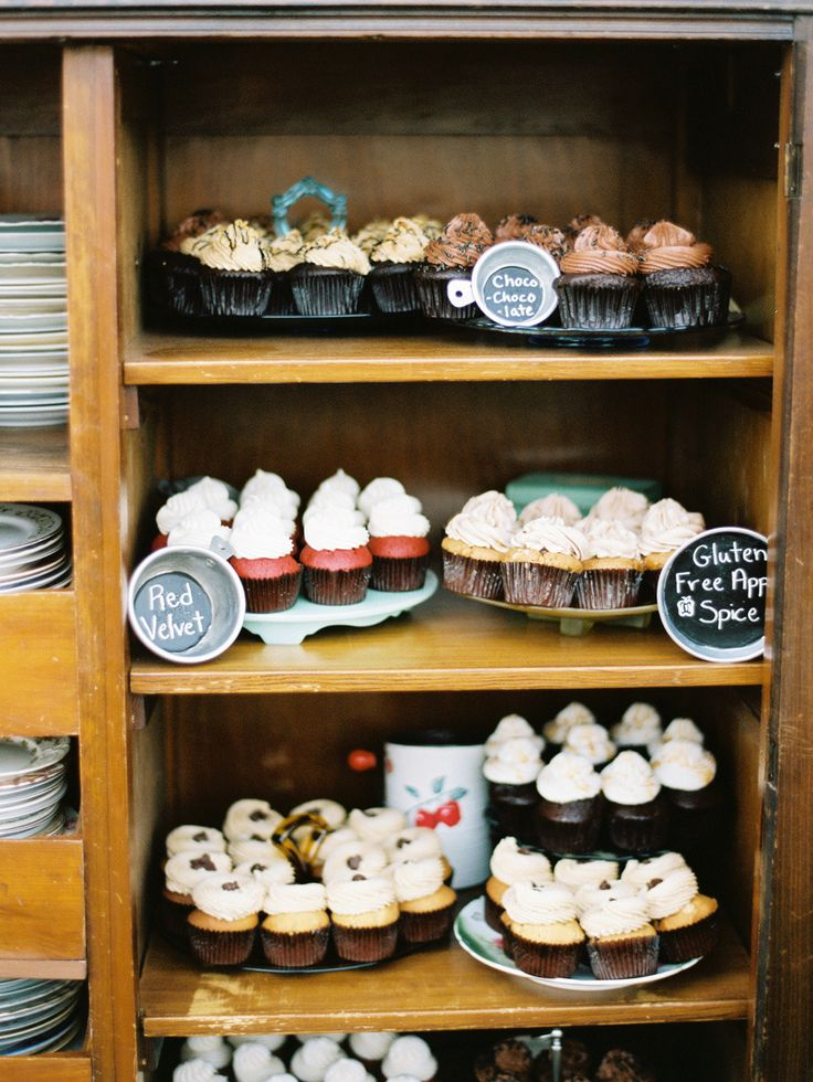 #cupcakes, #desserts, #dessert-table  Photography: Ryan Ray Photography - ryanrayphoto.com  Read More: http://stylemepretty.com/2013/08/26/florida-wedding-from-ryan-ray-photography/