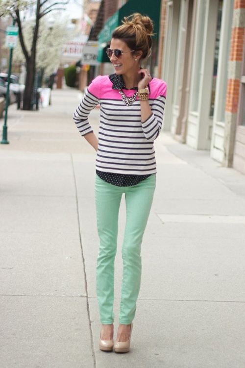 mint skinny jeans, striped shirt with neon accents...I like the color combination!