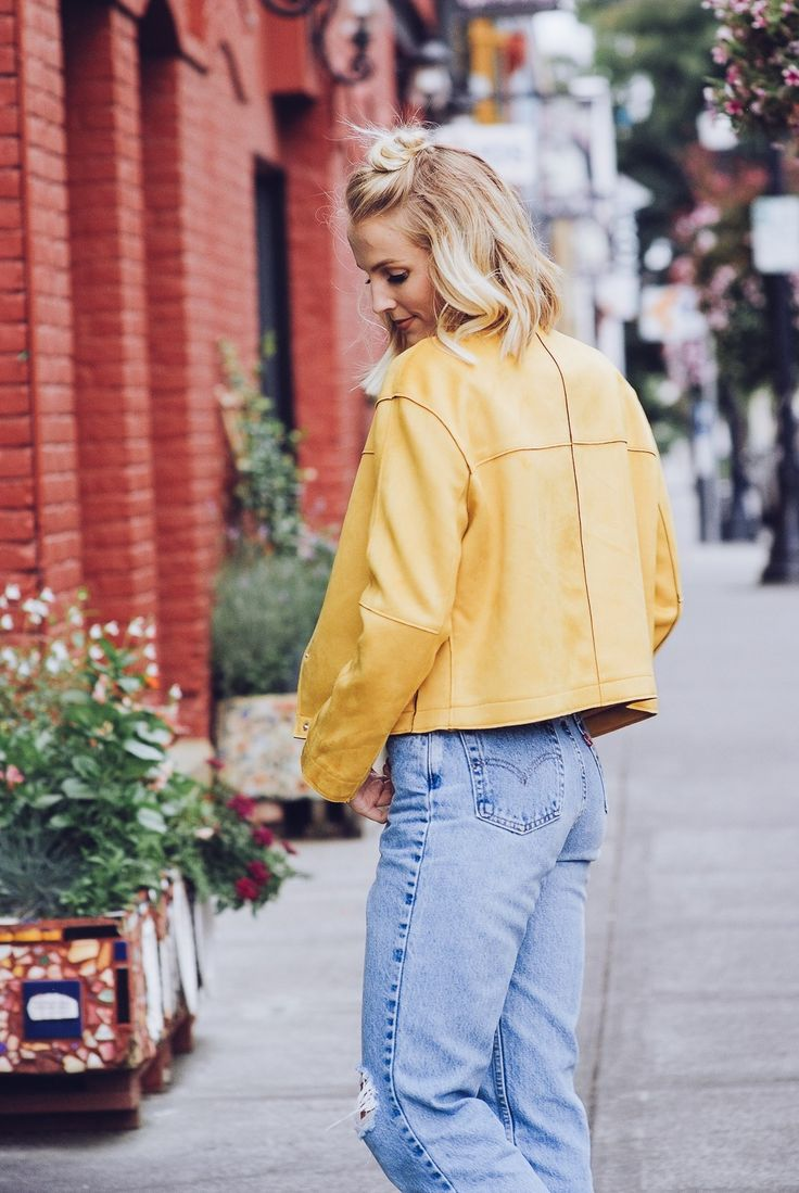 WHY YOU NEED A STATEMENT JACKET FOR THE FALL | Fall Trends | Fall Styles | Statement Jackets | Bright Jackets | Fall 2017