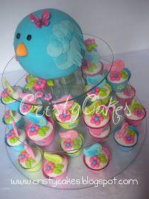 Para el Baby Shower de Ma. Auxiliadora, realizamos una hermosa torta decorada en forma de pajarito, se complementó con un montaje en...