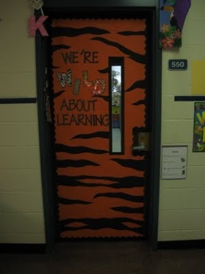 13 best images about craft ideas for work on pinterest for Cool door ideas