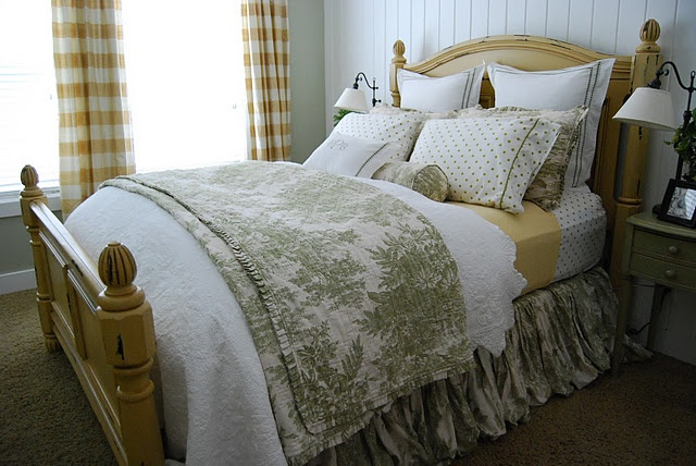 How To Make Your Bed Guest Post From Homes By Heidi