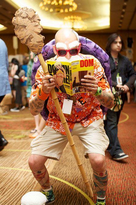 Cosplay genial del maestro Mutenroy (supongo que se escribe asi) de Dragon Ball