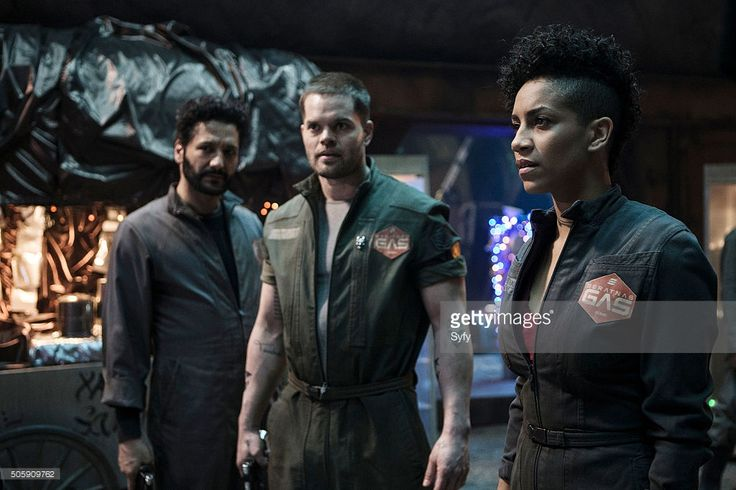 THE EXPANSE --'Leviathan Wakes' Episode 109B -- Pictured: (l-r) Cas Anvar as Alex Kamal, Wes Chatham as Amos, Dominique Tipper as Naomi Nagata --