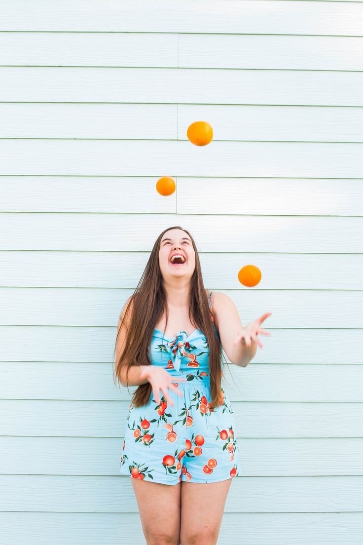 Orange you glad I didn't drop them? Just kidding I totally did haha! Today I'm sharing 3 ways to stop juggling so many thingsg at once. P.S How cute is this orange printed romper from BuddyLove? I could wear it all spring/summer long! Sparkles and Sunshine: How To Stop Juggling A Million Things At Once. #fashionblog #fashionbloggers #romper #lifestyle #lifestyleblogger #advice #tips #motivation