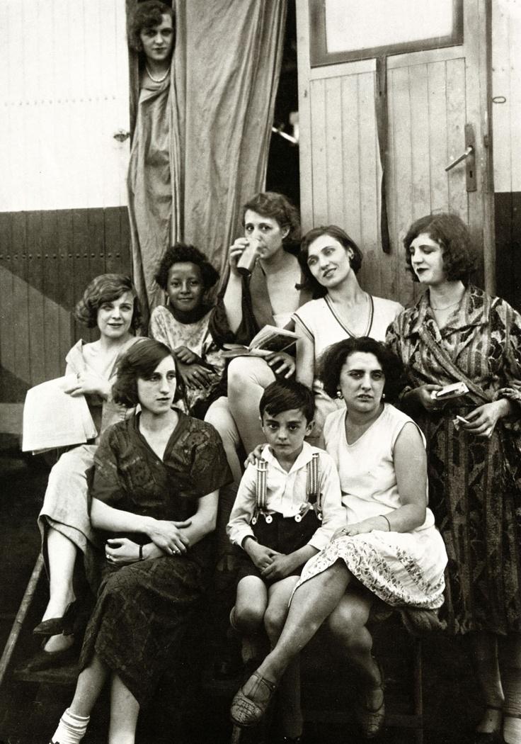 essay on august sander German photographer august sander's collective portrait of the german people.