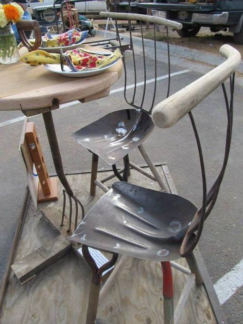 shovels & pitch forks used to make chairs & table..how cool