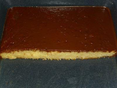Rezept: schneller Eierlikör Blechkuchen mit Schokoladeguß