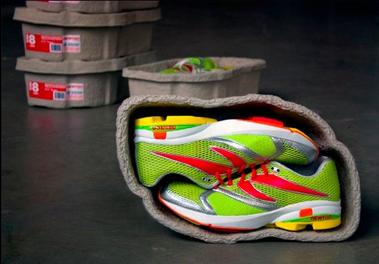 Running ECO PackagingRunning Shoes, Green Shoes, Shoes Packaging, Newton Running, Boxes, Packaging Design, Eggs Cartons, New Shoes, Athletic Shoes