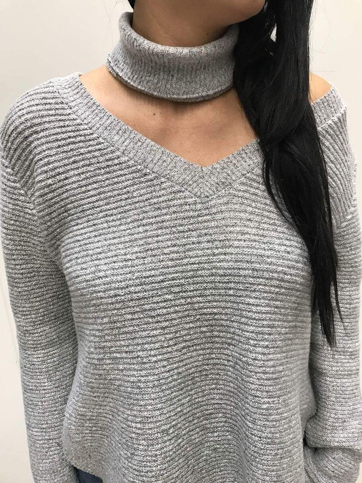 Nowość! Piękny sweter ze zdejmowanym golfem. Która się skusi ? 🙋🏻🙋🏼🙋🏽  Novelty! Beautiful sweater with removable turtleneck 👌🏻👌🏻👌🏻