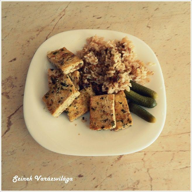 Ez egy nagyon gyorsan elkészíthető étel. A múlt héten készítettem el és az idő hiánya miatt csak most kerül fel a blogra. Ritka alkalom, hogy van itthon tofu, de itt az egyik felhasználási módja. :)   Hozzávalók:   1 cs. natúr tofu 1 ek. kókuszolaj 1 kk. ételízesítő   Elkészítés:   A kókuszolajat megolvasztjuk...