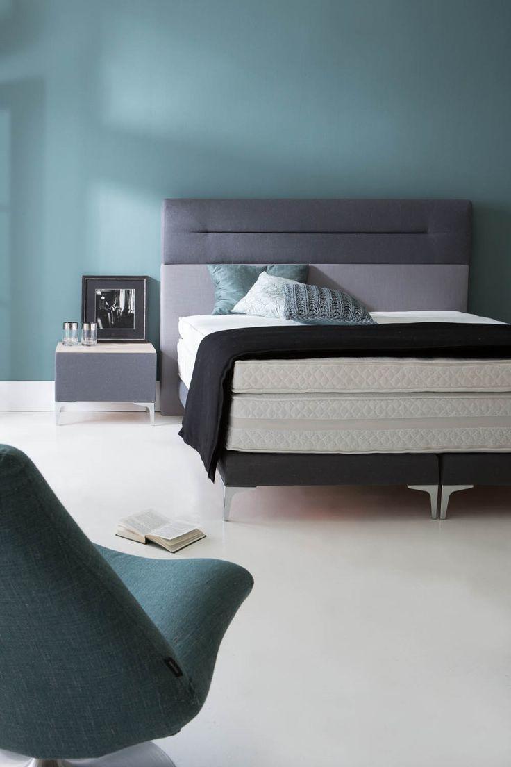 De kleur blauw is voor de slaapkamer extra geschikt. Hier wil je tenslotte tot rust komen.