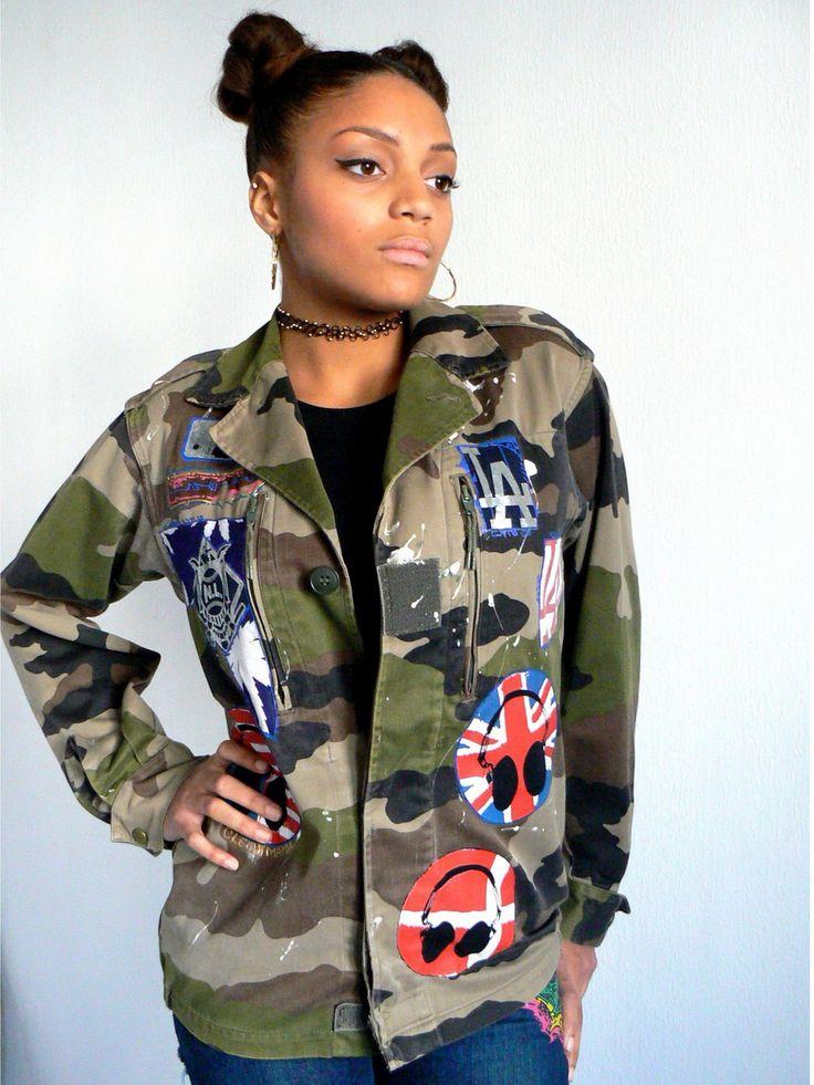 Veste camouflage stylé customisée d'écussons hip hop : Manteau, Blouson, veste par cleo-n-mama-creation
