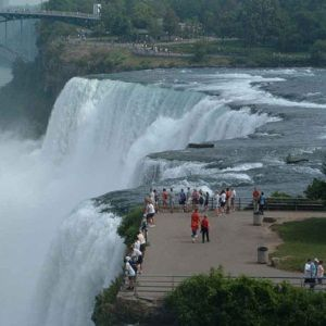 Best Places To Visit In Canada - Pin now; Read later. Dad's been wanting to go to Niagara Falls.