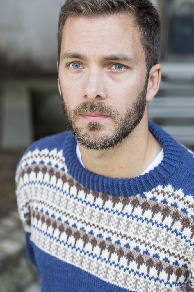 The Oskar Sweater is the perfect men's Winter pattern and Christmas gift. Find this fair isle pattern and more knitting inspiration at LoveKnitting.Com.