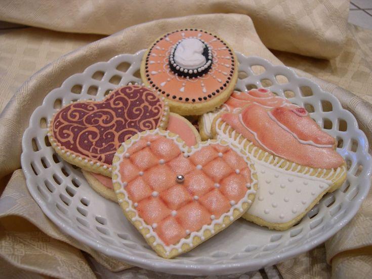 Glasa colorata per biscotti dresses
