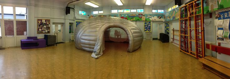 4D Pop Up at White Waltham School today. A fun day of story telling by the waterhole. A great immersive way to start 2014.