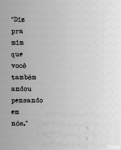 Amor, eu desisto. Desisto de ficar longe de você, de ter feito promessas estúpidas, de ter lutado tanto e agora não aproveitar a oportunidade, desisto de não viver essa história, desisto de não apr...